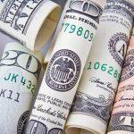 O Brasil desonera do imposto de renda pagamentos de juros de financiamento às exportações e comissões pagas por exportadores a residente no exterior