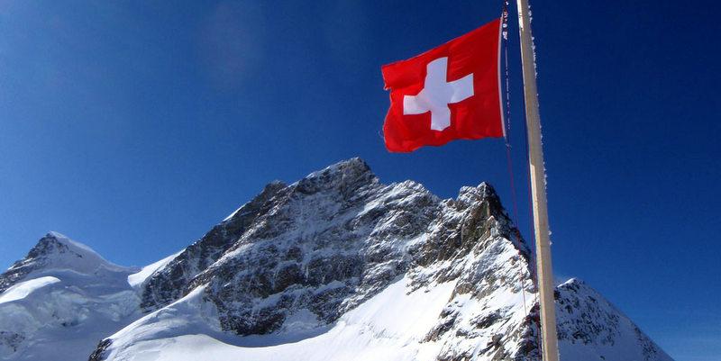 bandera-suiza-01