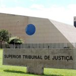 STJ supera Súmula STF 691 e defere HC para suspender pena em crime tributário