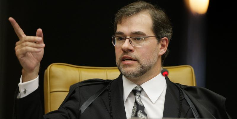 Ministro-do-STF-Dias-Toffoli-viajou-para-encontro-da-família.