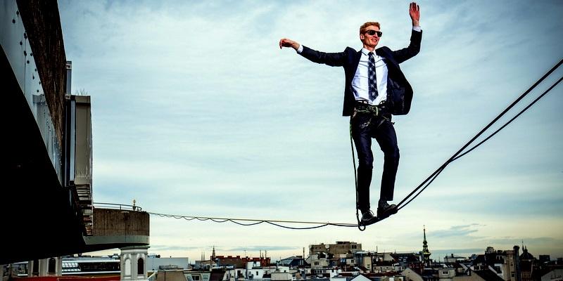 Vienna-tightrope-walker-man_1920x1440
