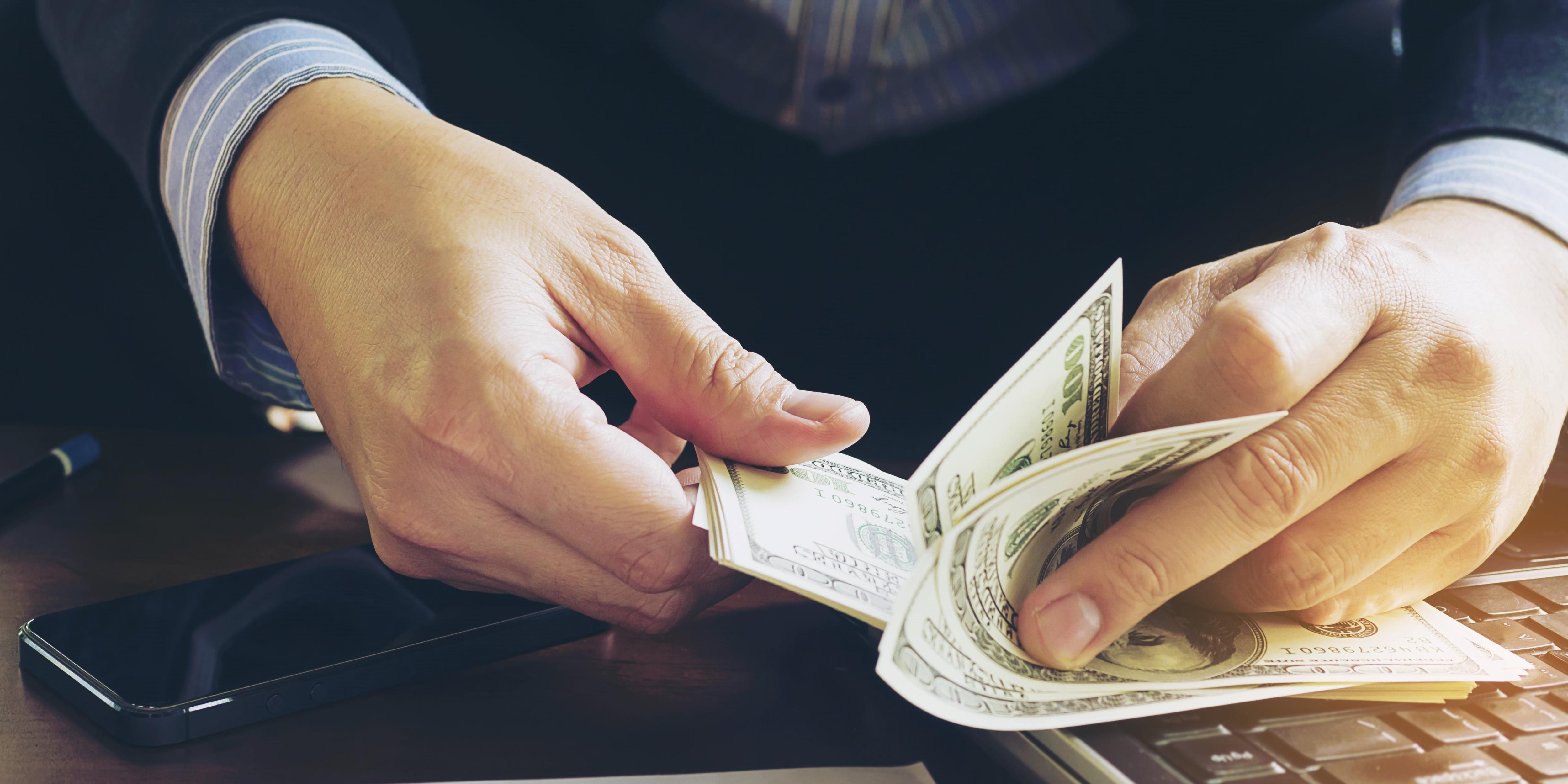 Receita: reembolso de despesa é receita das prestadoras de serviços
