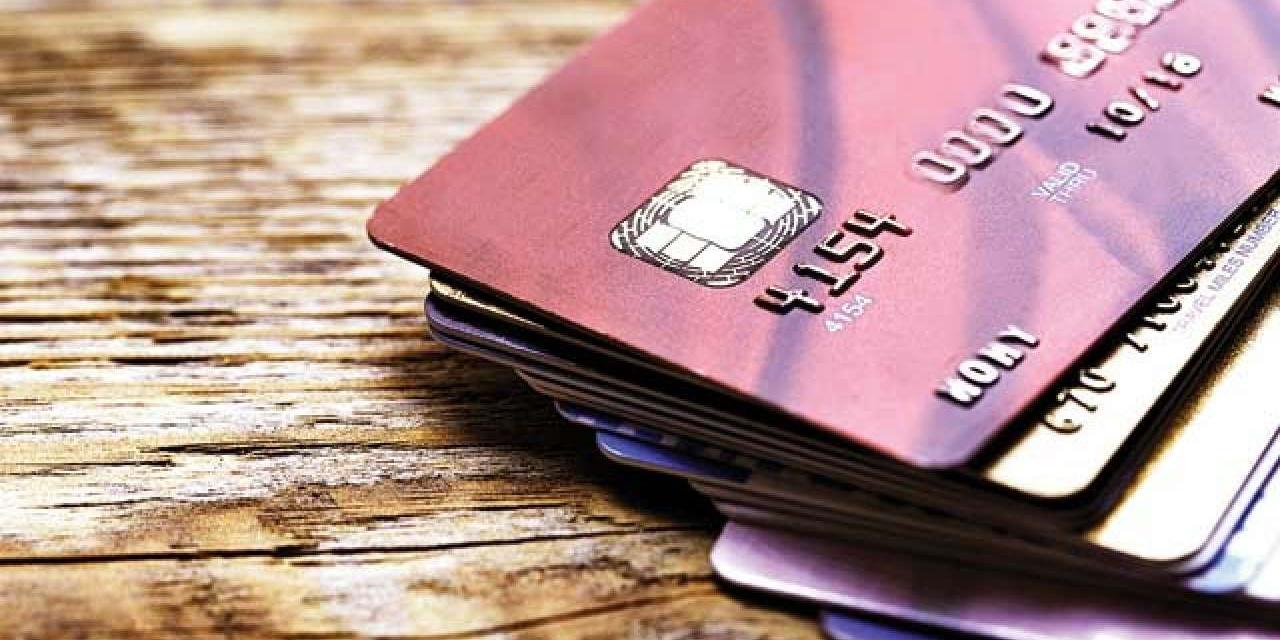 taxas cartões insumos PIS e Cofins